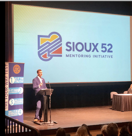 Mayor Paul Ten Haken speaks on Sioux 52 Mentoring Initiative